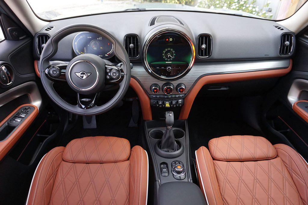 2021 Mini Cooper SE Countryman eALL4 PHEV plug-in hybrid dashboard